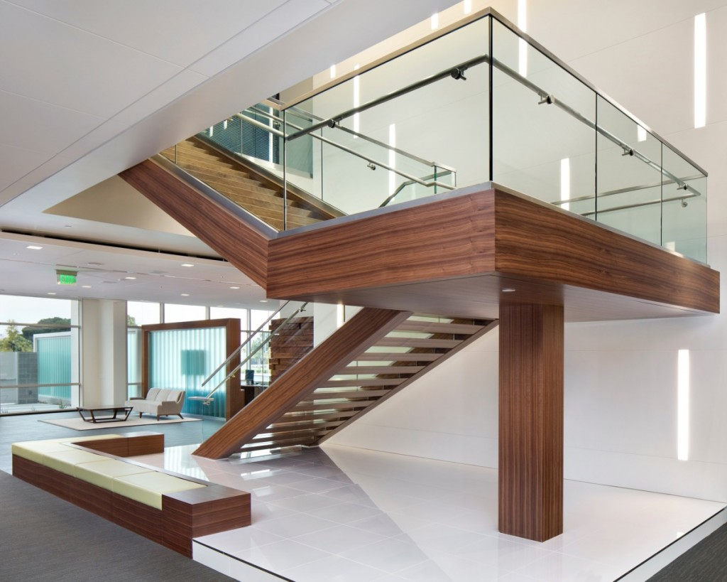 04-Juniper-Staircase-glass-&-wood